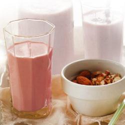 Jahodový koktejl ze sójového mléka